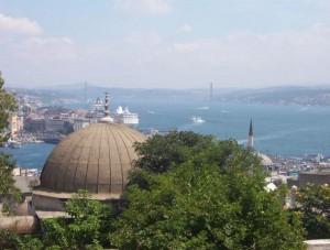 Süleymaniye Moschee vom Balkon auf den Bosporus